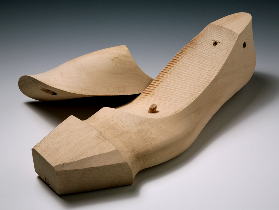 shoe last : the un-rotated end